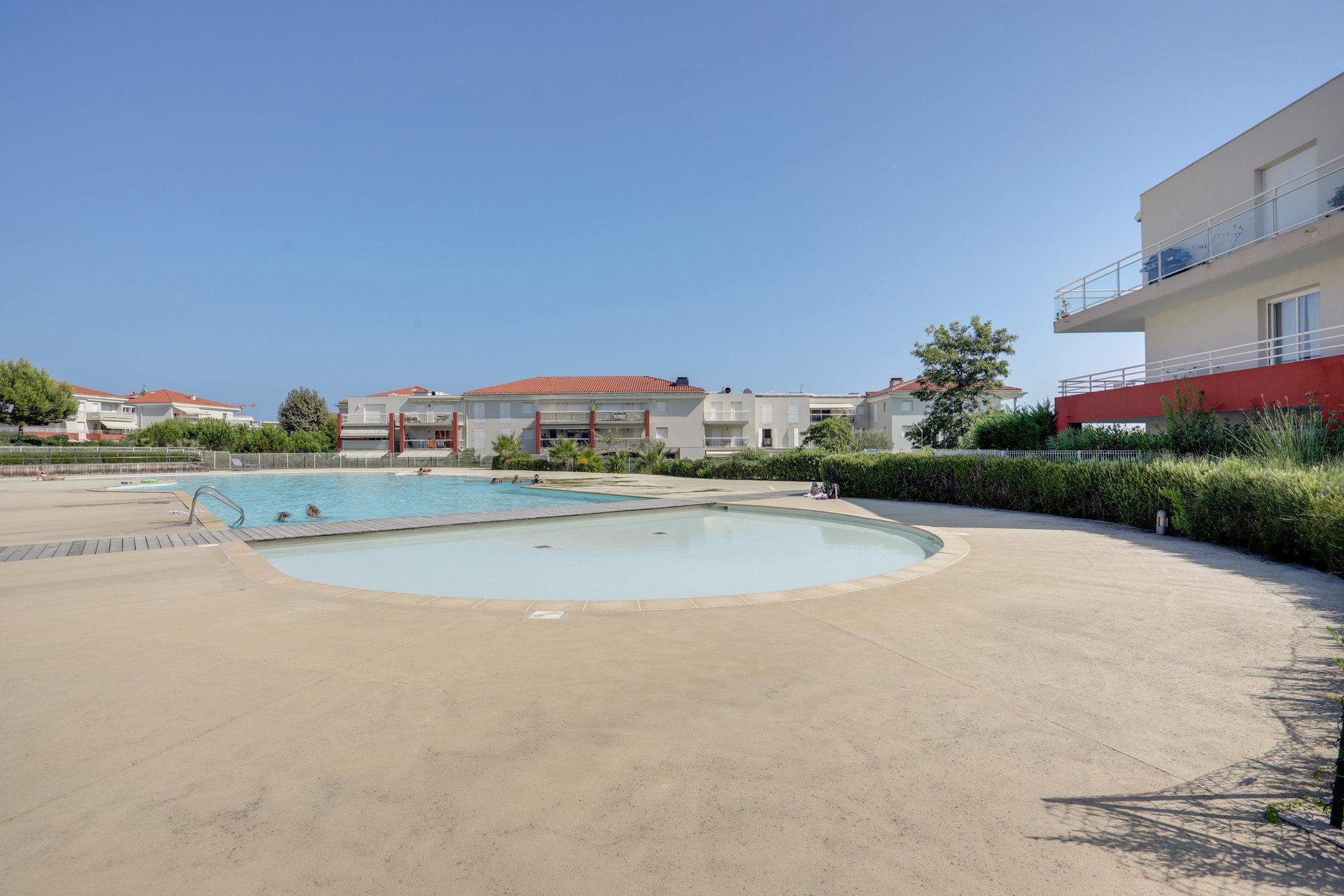 EXCLUSIVITE - Juan les Pins sur la plage - 3p dernier étg. Vue mer panoramique