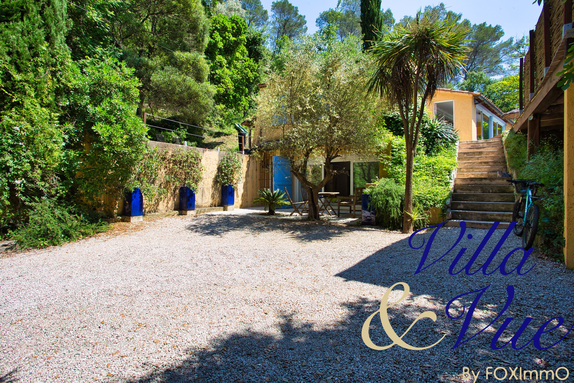 Villa of 150 m² 3 bedrooms with swimming pool in absolute quiet