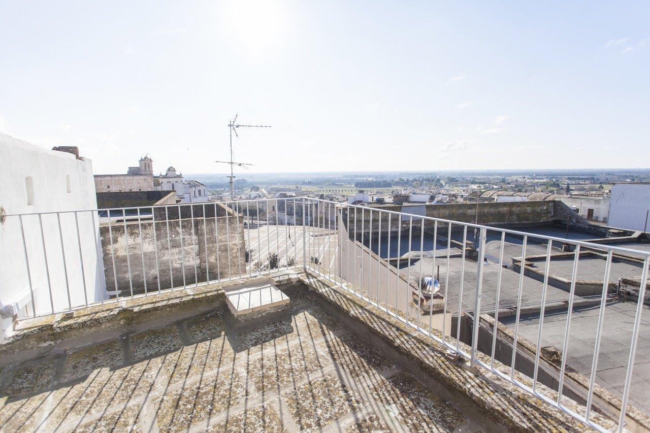Appartamento ristrutturato nel centro storico, 1 camera, terrazza panoramica
