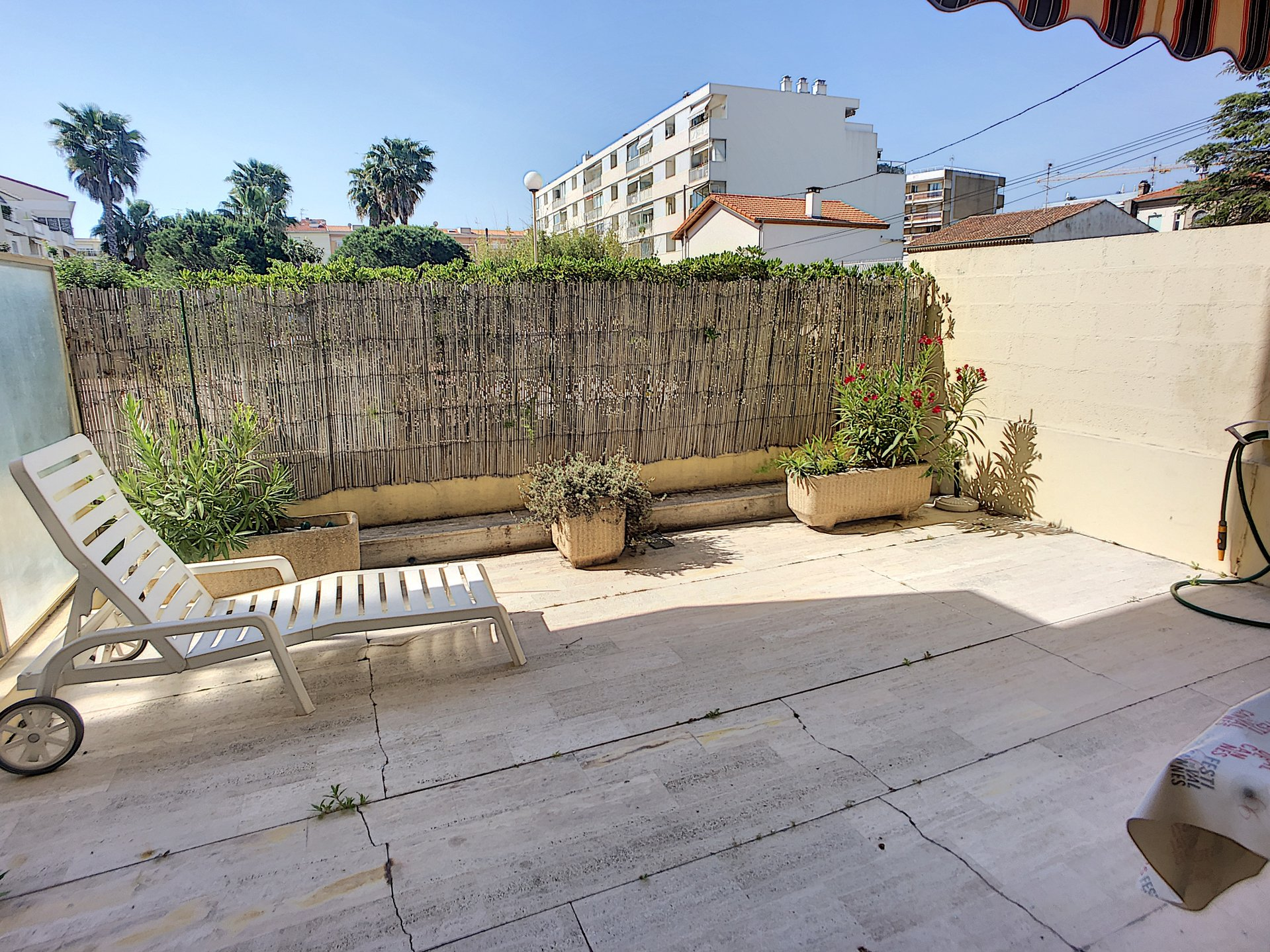 RARE : 1-bedroom apartment large Terrasse and Parking