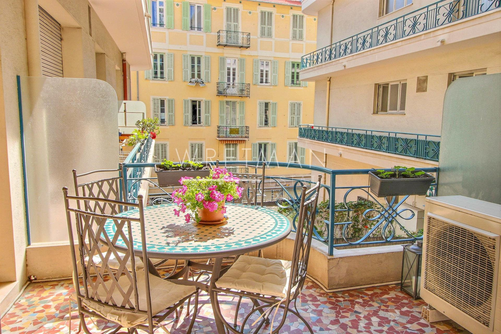 2-bedroom apartment with terrace - Nice Carré d'Or