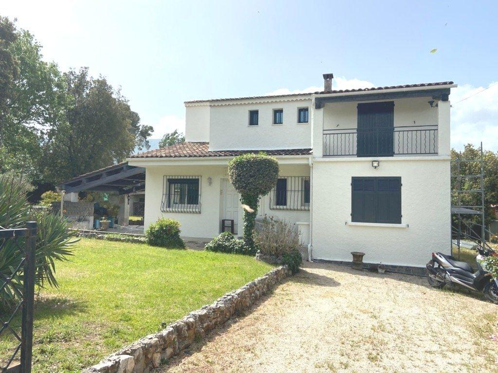 Villa 140 m² proche centre-village 4 chambres