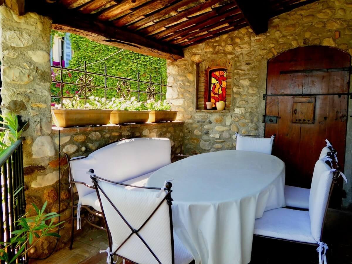 Exclusivité - Hauts de Cagnes - Magnifique maison de village avec vue, piscine et garage