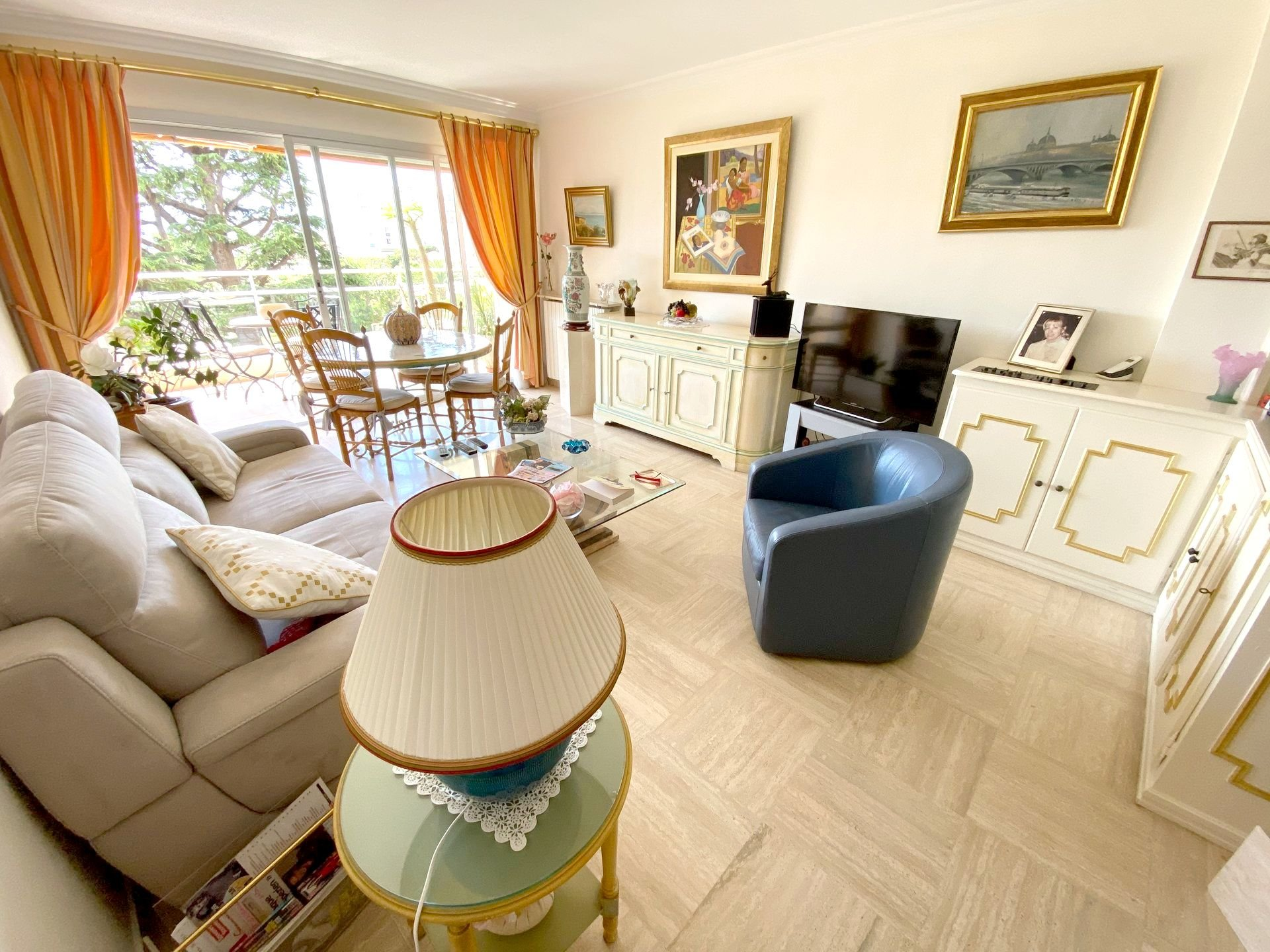CANNES SALE LIFE APARTMENT NEAR BEACHES