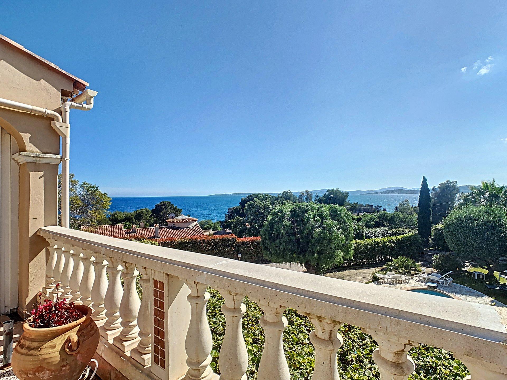 Villa for sale in Les Issambres sea view
