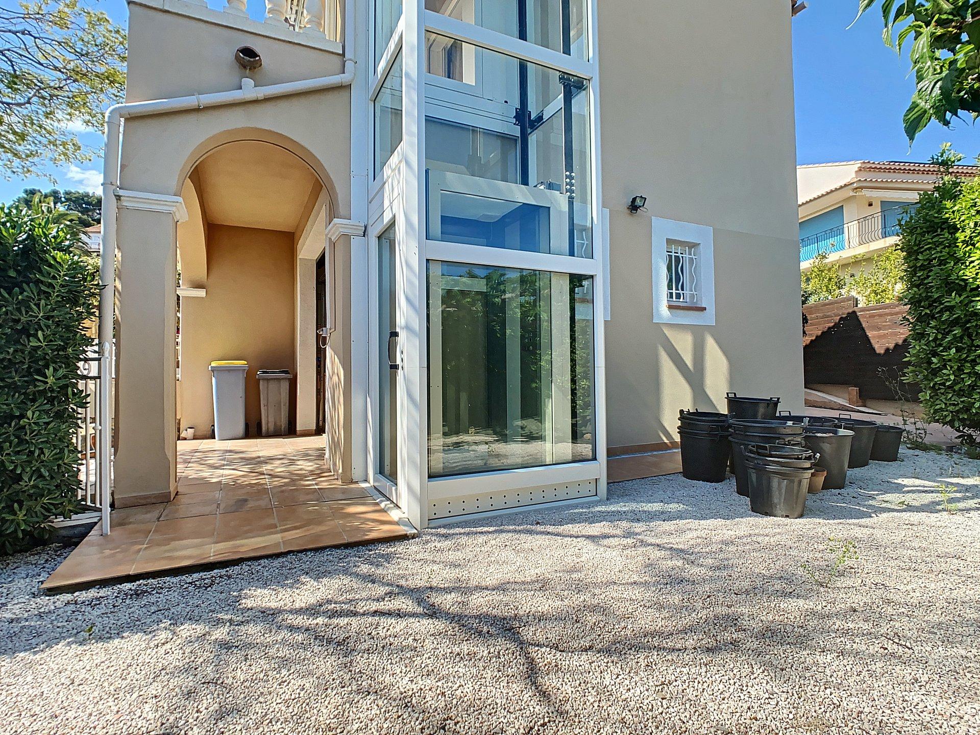 Villa à vendre aux Issambres avec vue mer