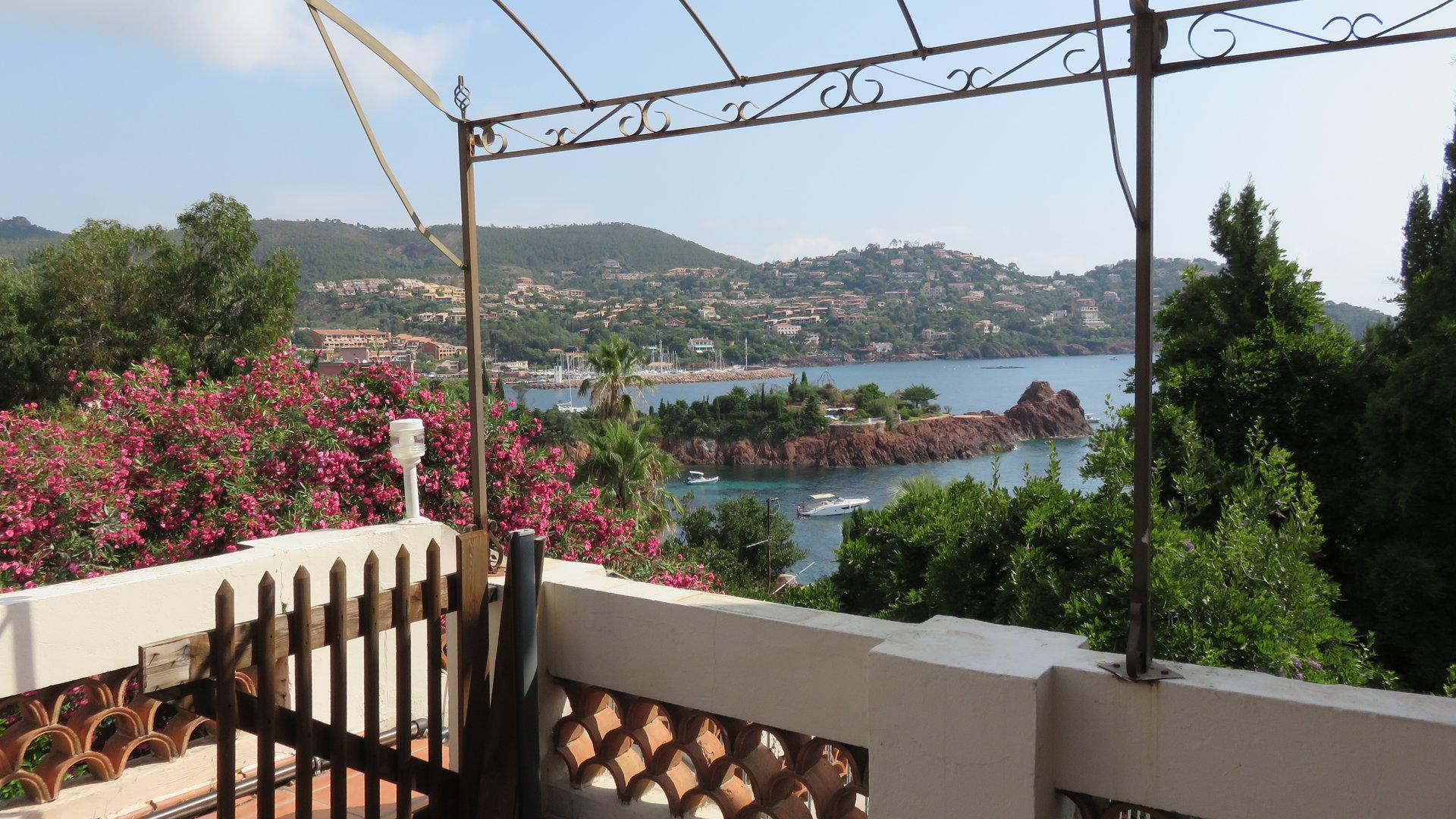 villa de 125 m² con vista al mar para renovar