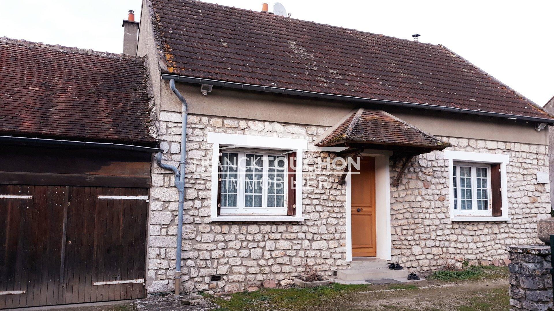 MAISON à CHATEAU-LANDON (sud 77) 1h de PARIS - 4 chambres - terrain 4815 m²