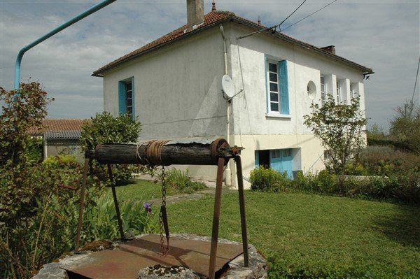 Haus mit Garten und Garage zu verkaufen in der Vienne