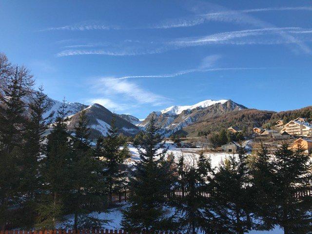 Auron 4p vue montagnes