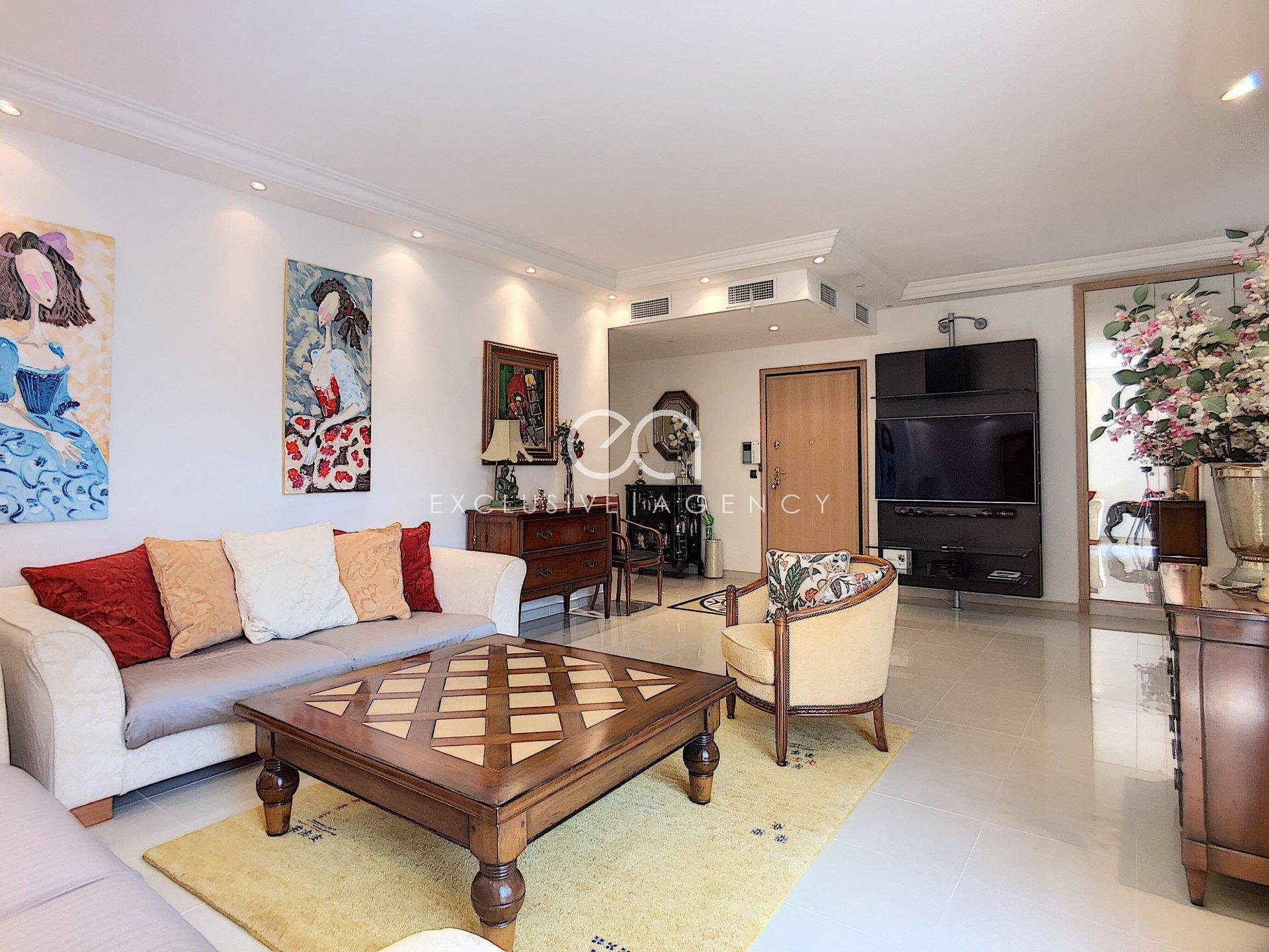 Cannes CROISETTE FOR MONTHLY RENTAL  2 bedroom 110SQM with terrace.