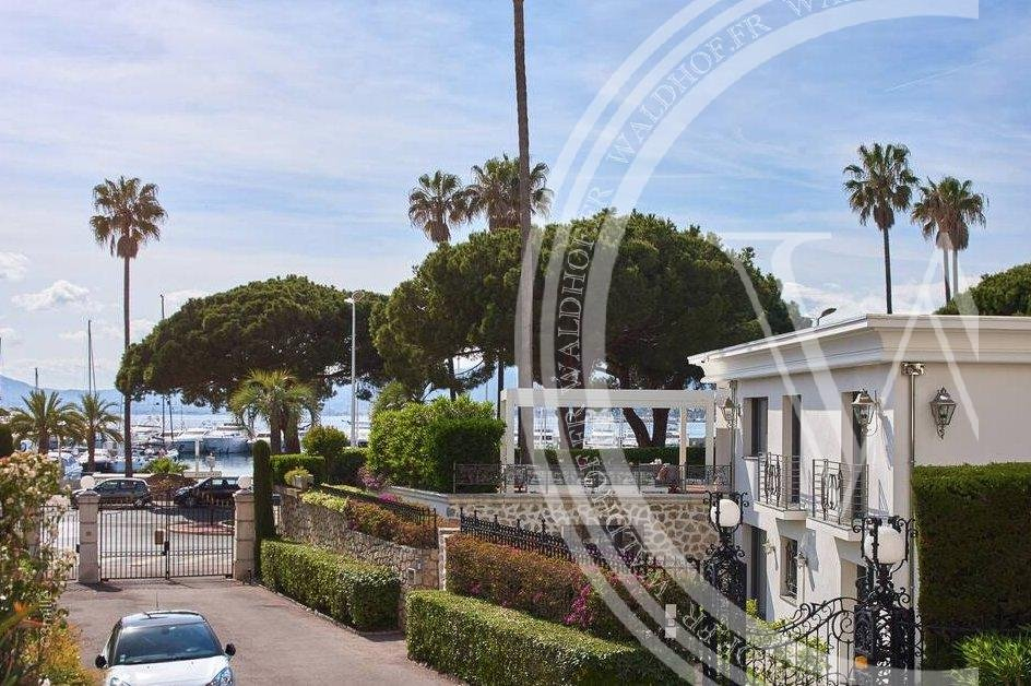 Cannes Croisette - Fully renovated villa