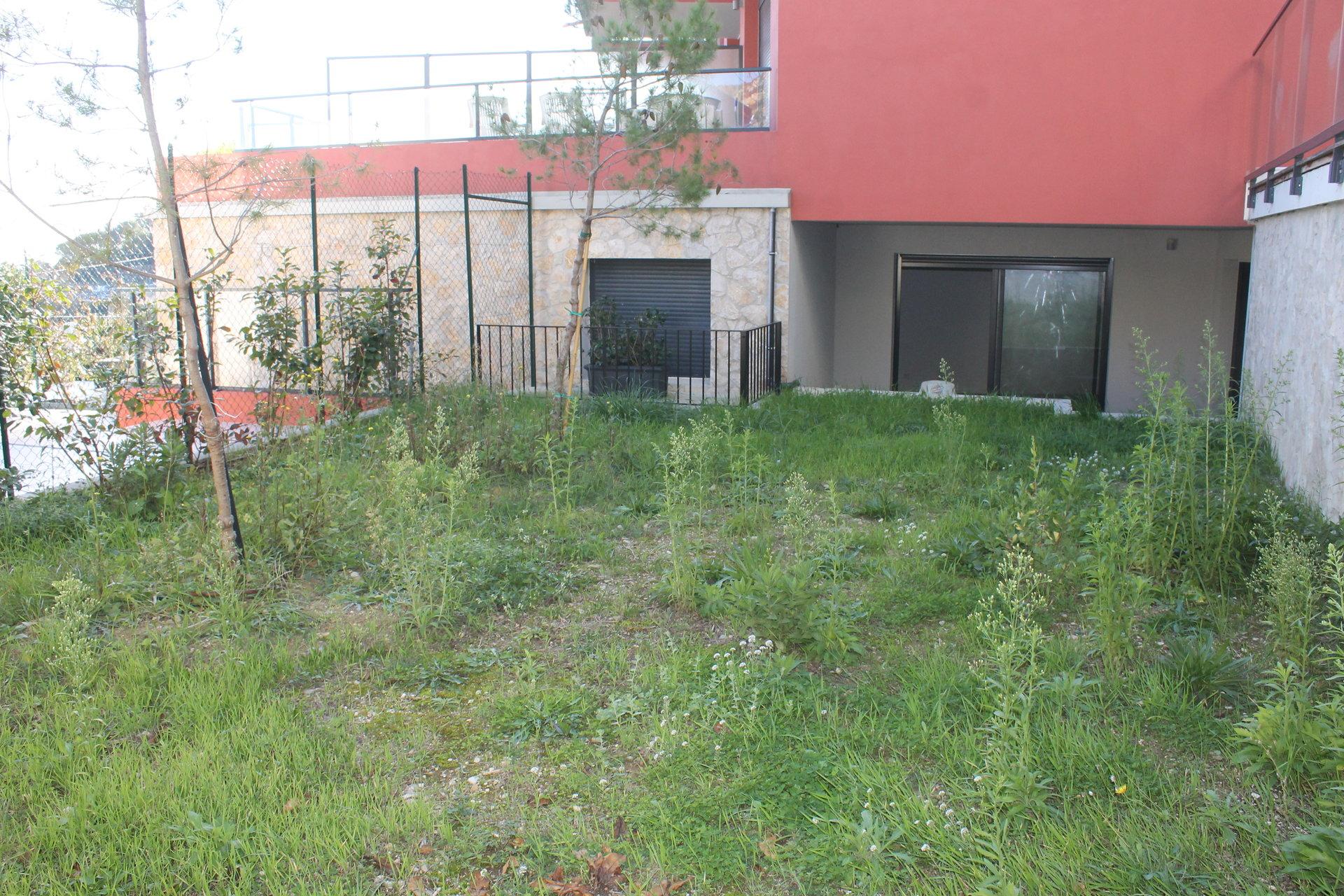 Immeuble récent, La Turbie