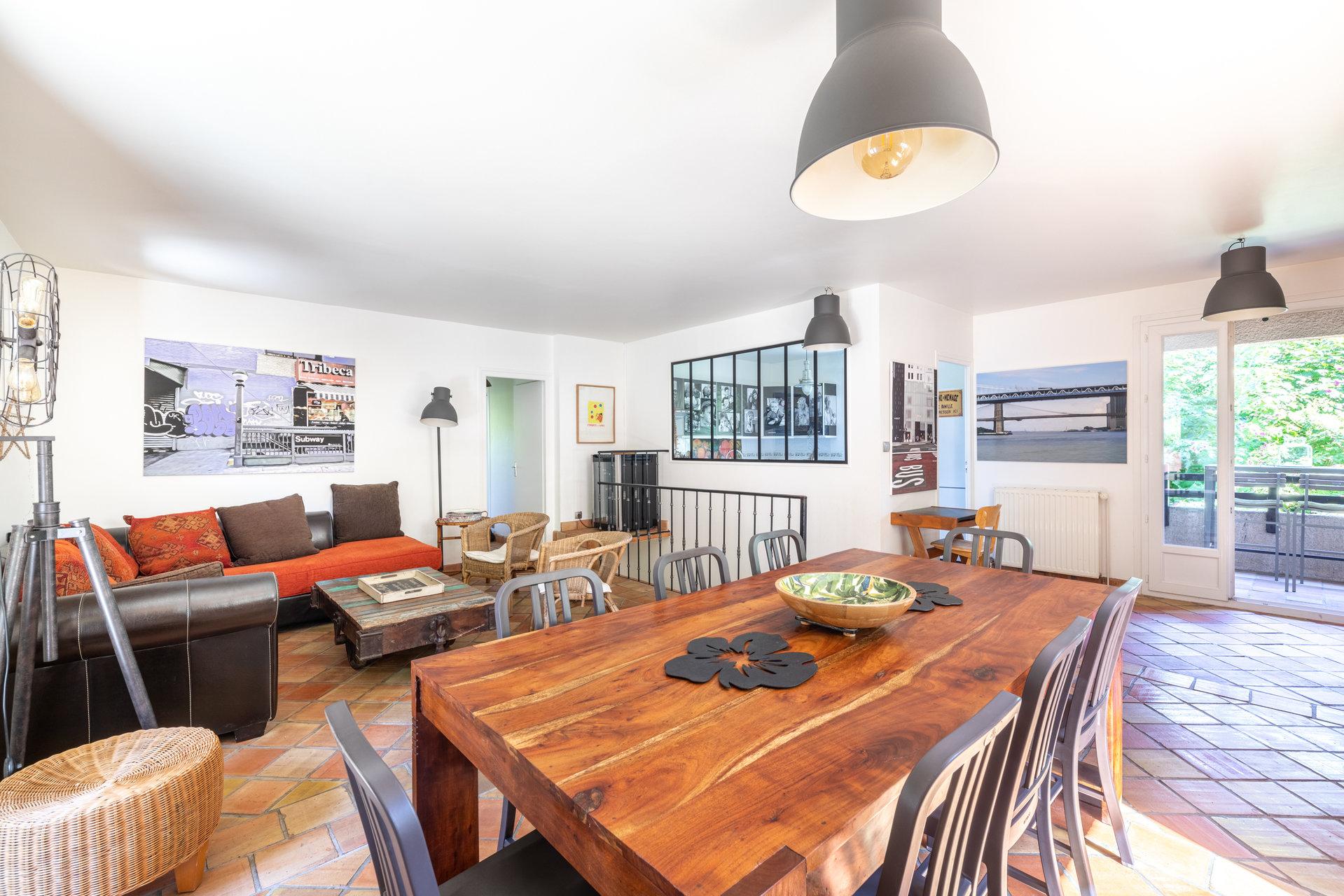 RARE, AU CALME : MAISON DE 180 m² AVEC JARDIN