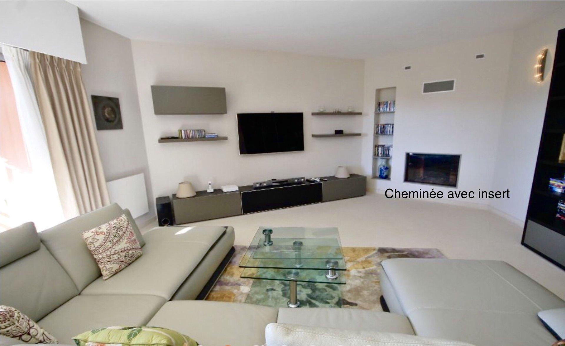 Magnifique Appartement contemporain de 126m2 terrasse, garage, piscine