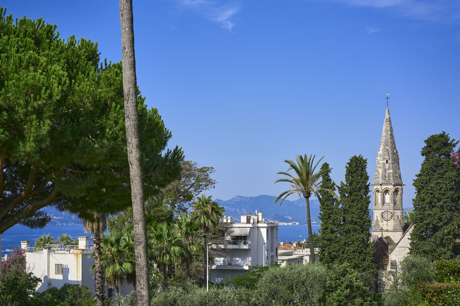 FOR SALE CANNES CALIFORNIE THREE ROOMS NEW SEA VIEW SWIMMING POOL