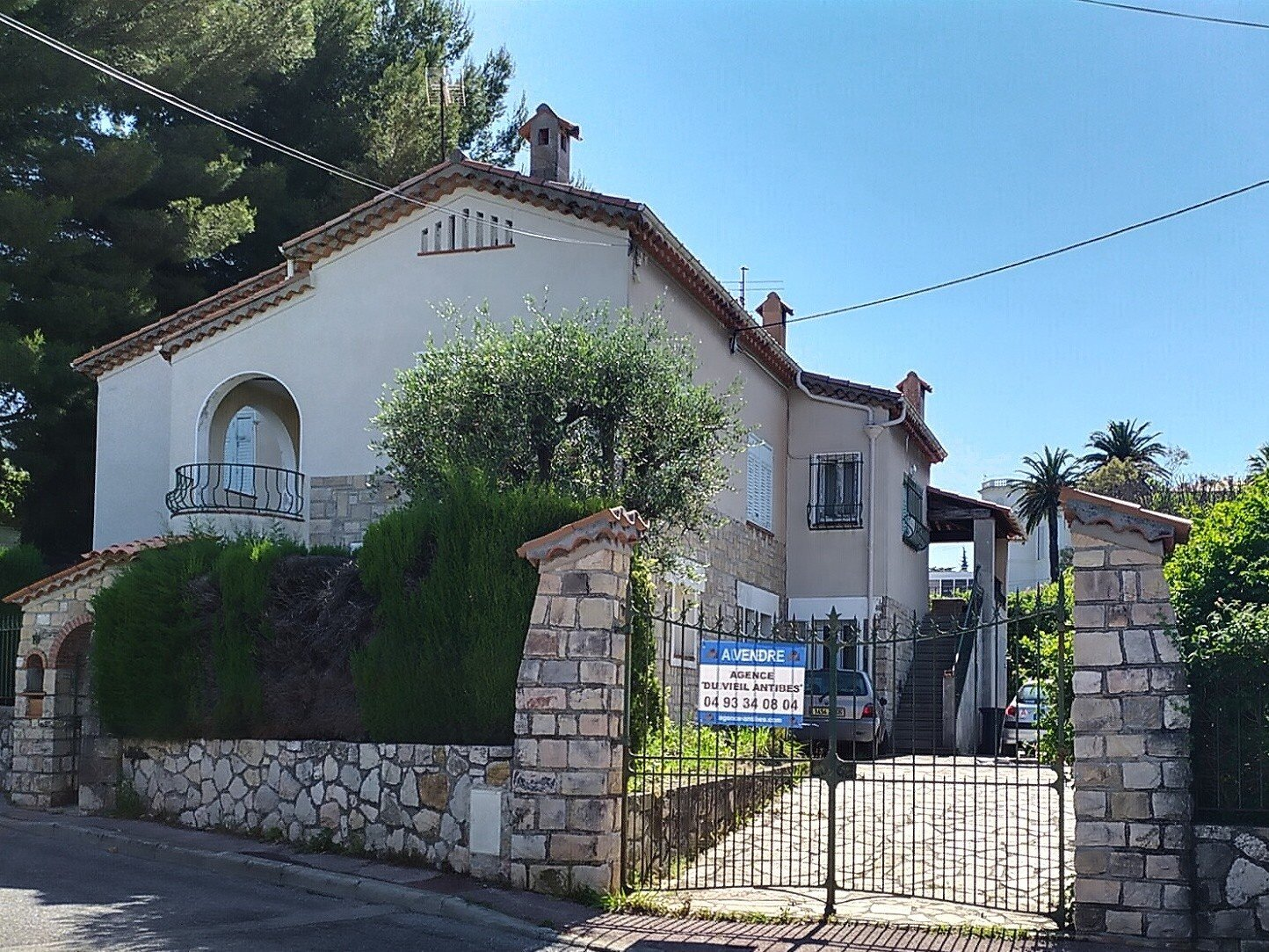 HOUSE NTIBES PONTEIL - 6 BEDROOMS / 220 SQUARE METERS ON 2 LEVELS