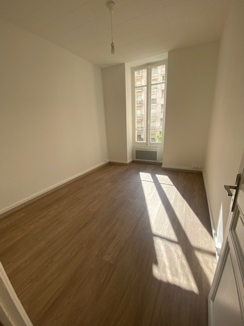 Apartment in Boulevard des Moulins