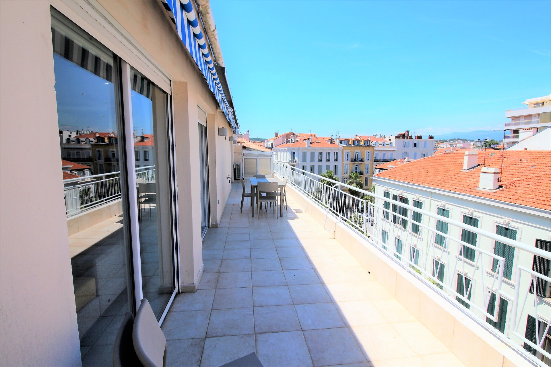 Cannes, Banane, 4 bedrooms apartment, top floor, terrace