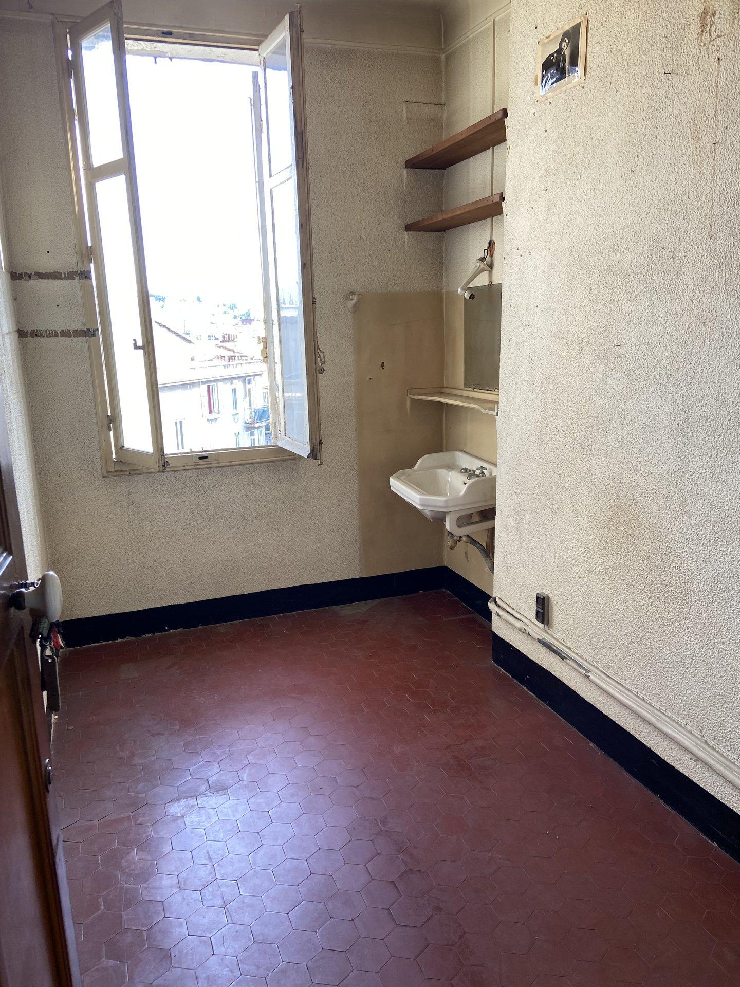 Chambre de Bonne 13004 Marseille