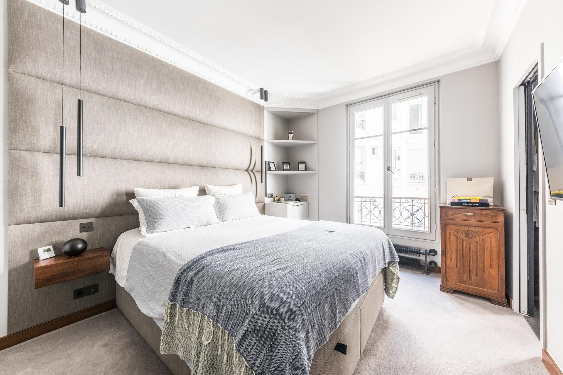 Paris - XVIII ème - MONTMARTRE - M° Lamarck-Caulaincourt - 3 Pièces - TRAVERSANT - BALCON - SOLEIL - CALME