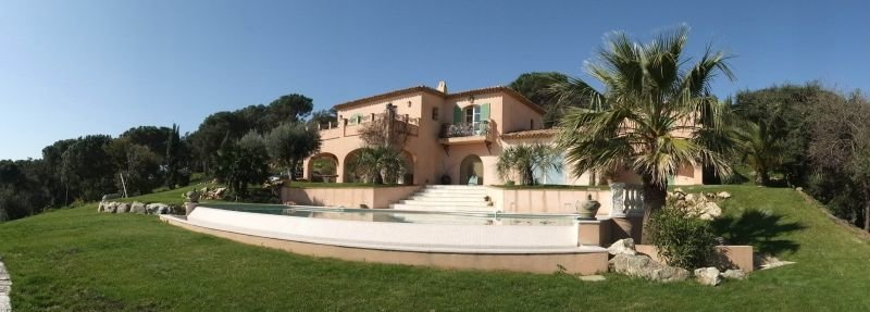 House Tropezian with sea view