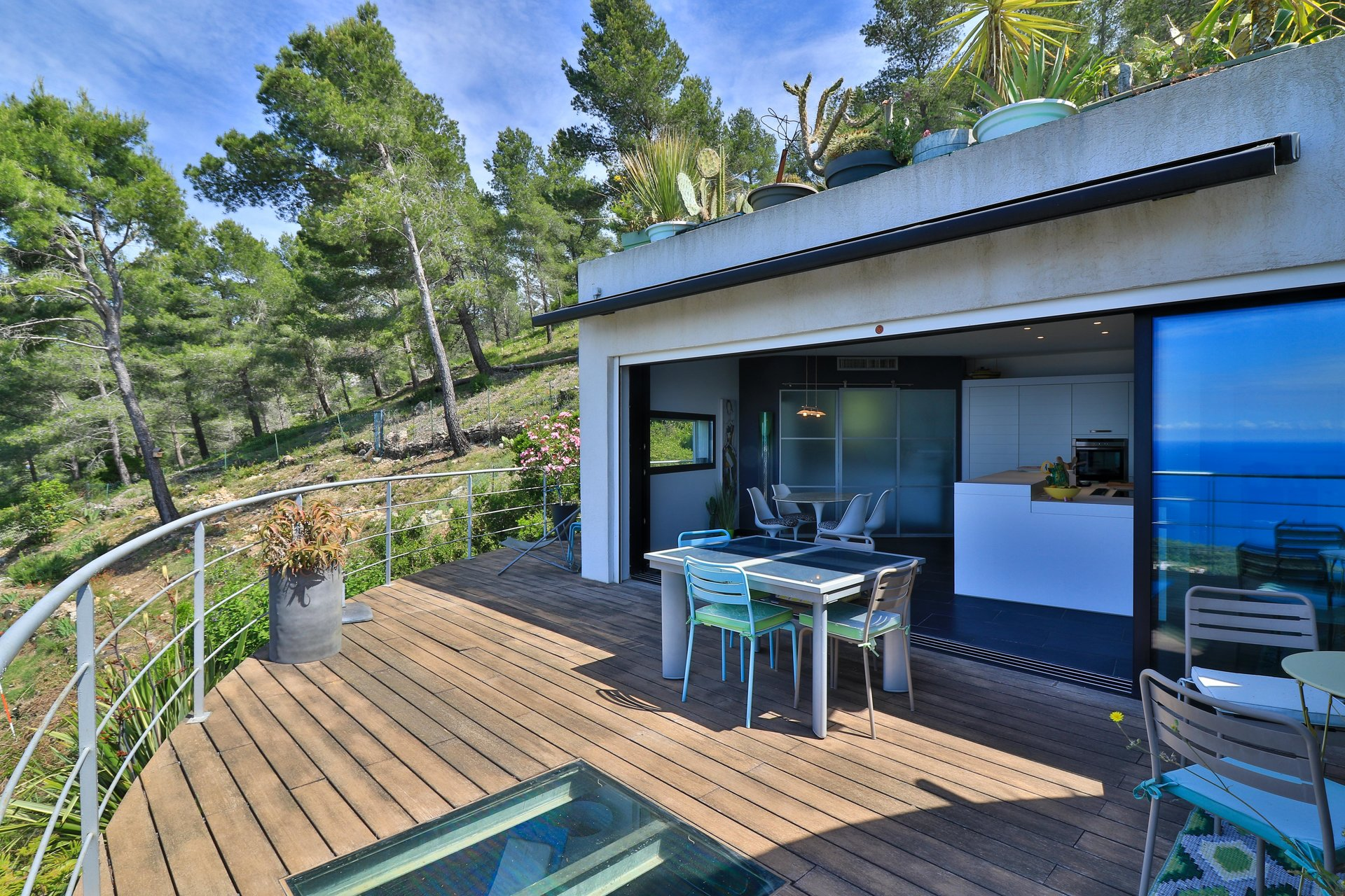 Property with panoramic sea view CARQUEIRANNE