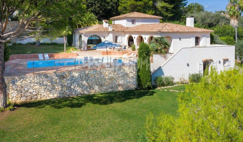 Purchase / Sale Villa Mougins - Close to the old village - Sea view