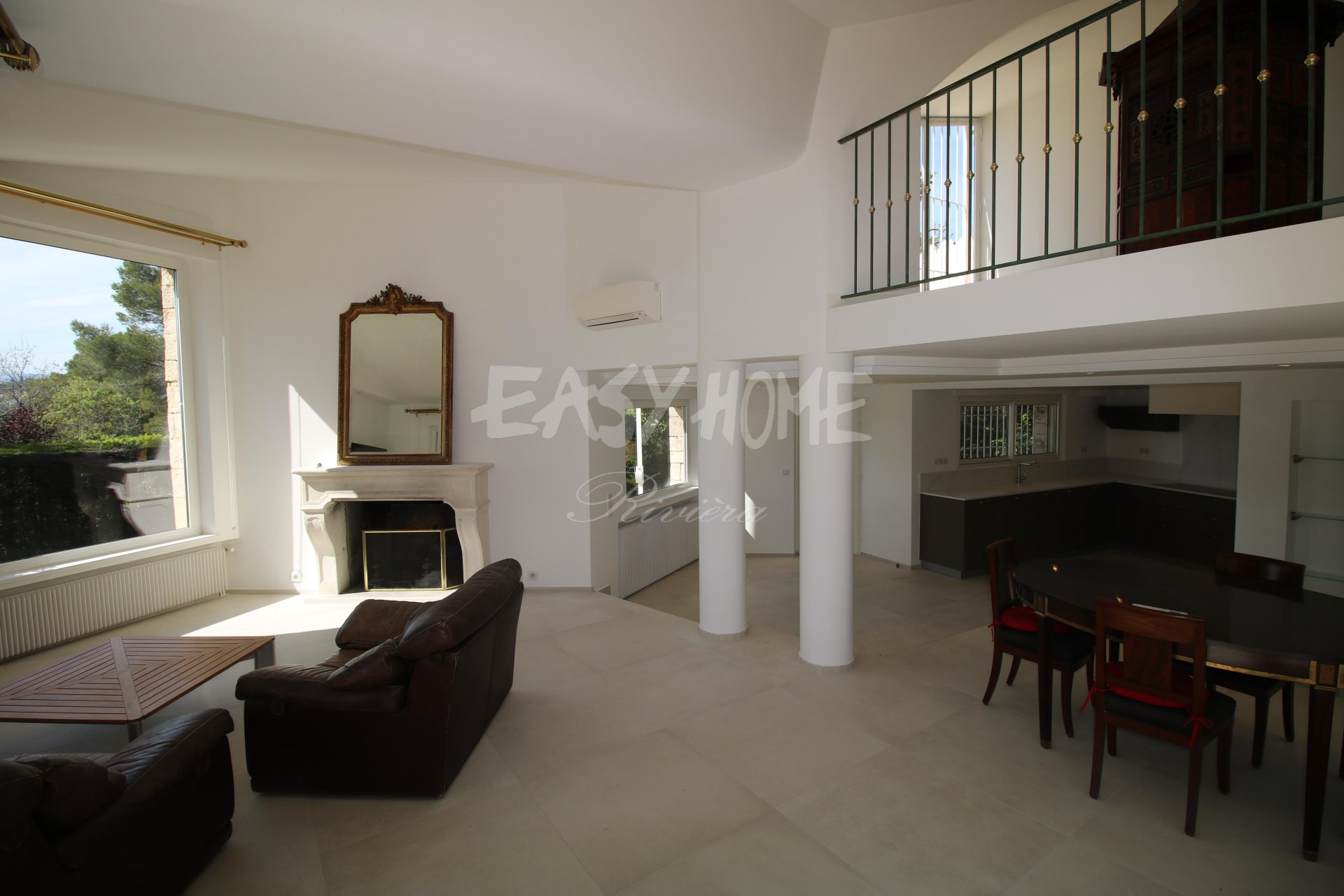 Purchase / Sale Villa Mougins in a residential area