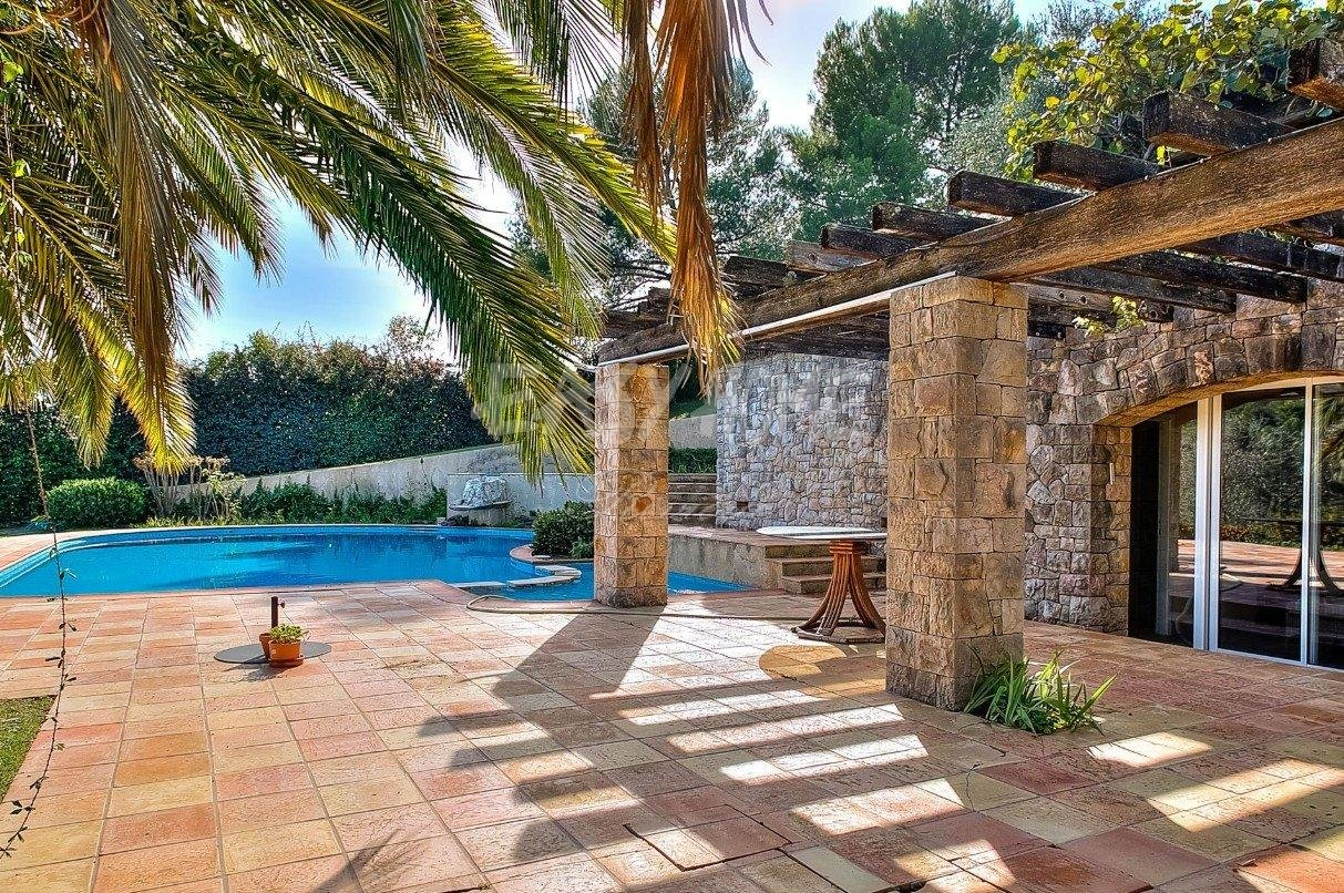 Purchase / Sale Villa Mougins in a sought after community