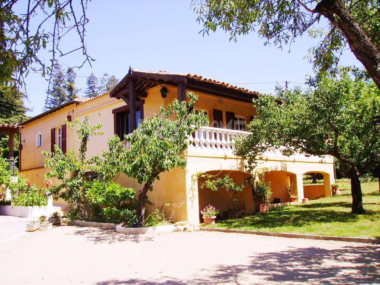 Purchase / Sale Villa Close To Cannes / Mougins