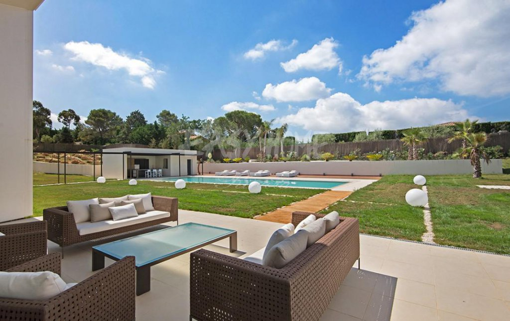 Purchase / Sale in Mougins Contemporary luxury villa