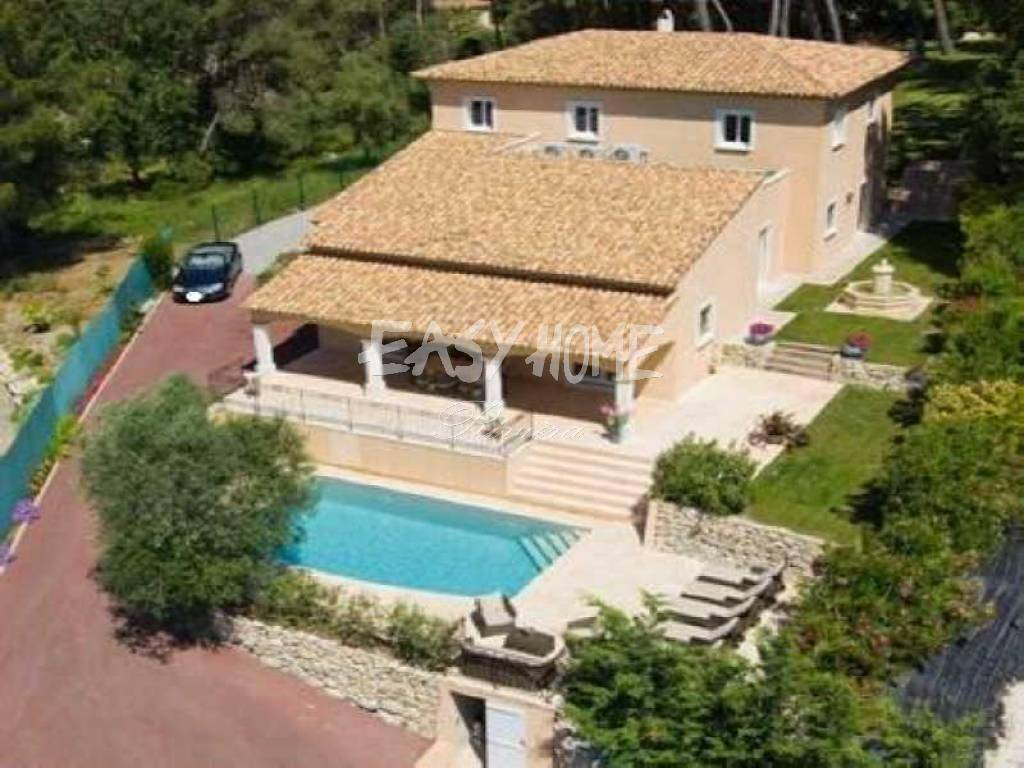 Purchase/Sale Villa Mougins in a gated community