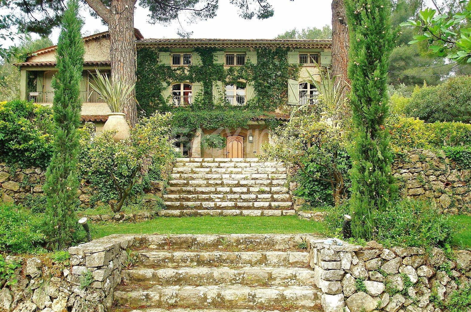 Property for sale French Riviera, CANNES, MOUGINS