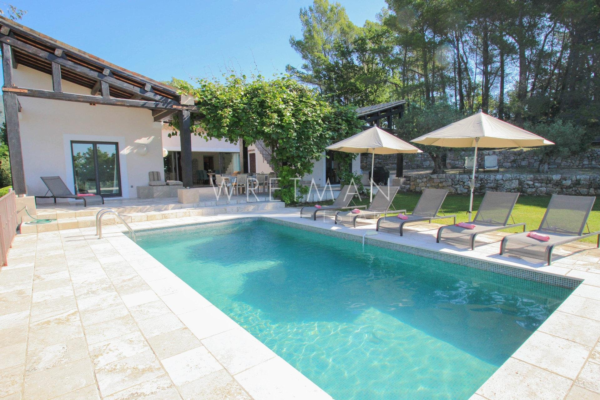 Modern villa with pool - Seillans