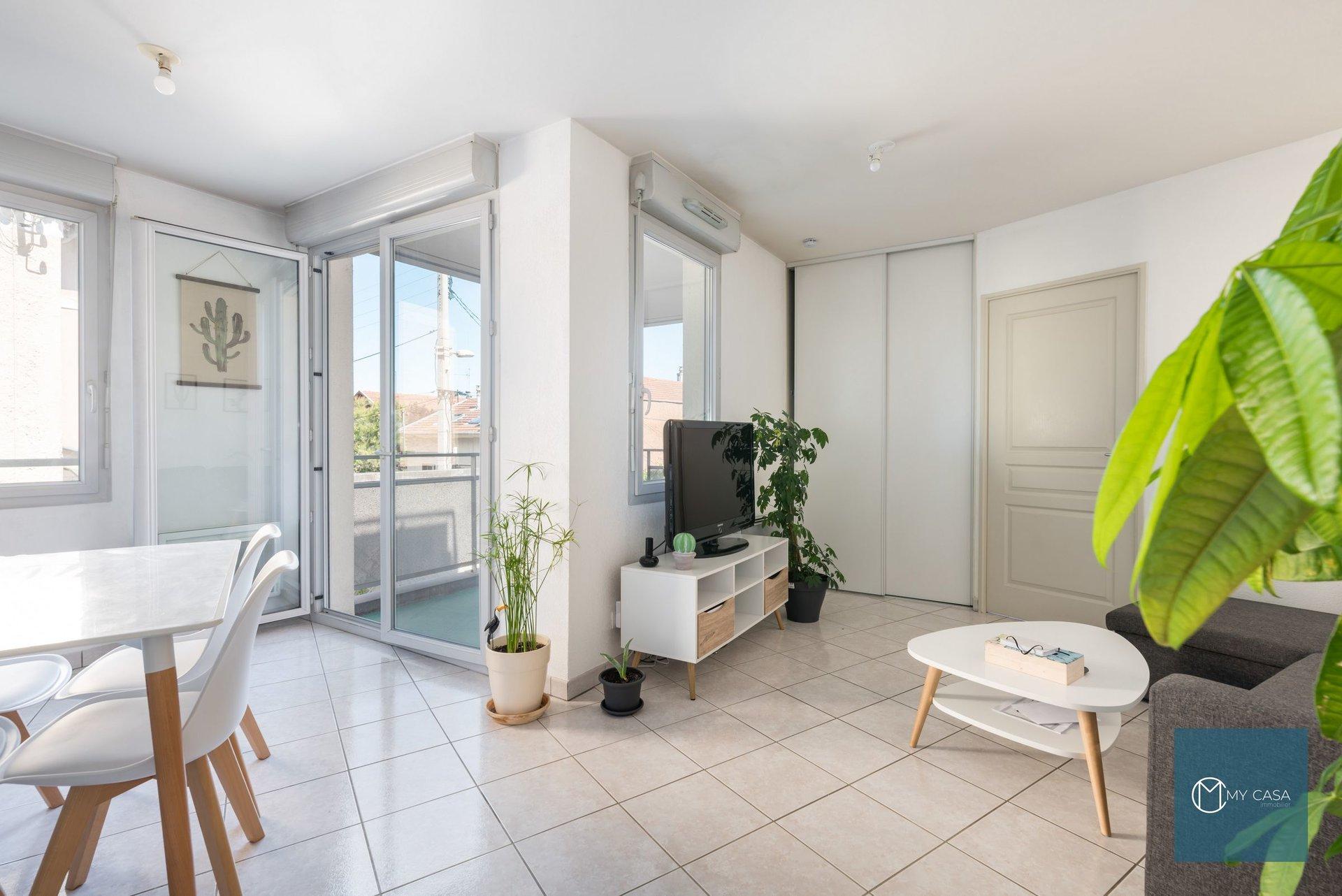 JET D'EAU /VILLON  - Beau T2 de 43 m2 - Balcon et Parking