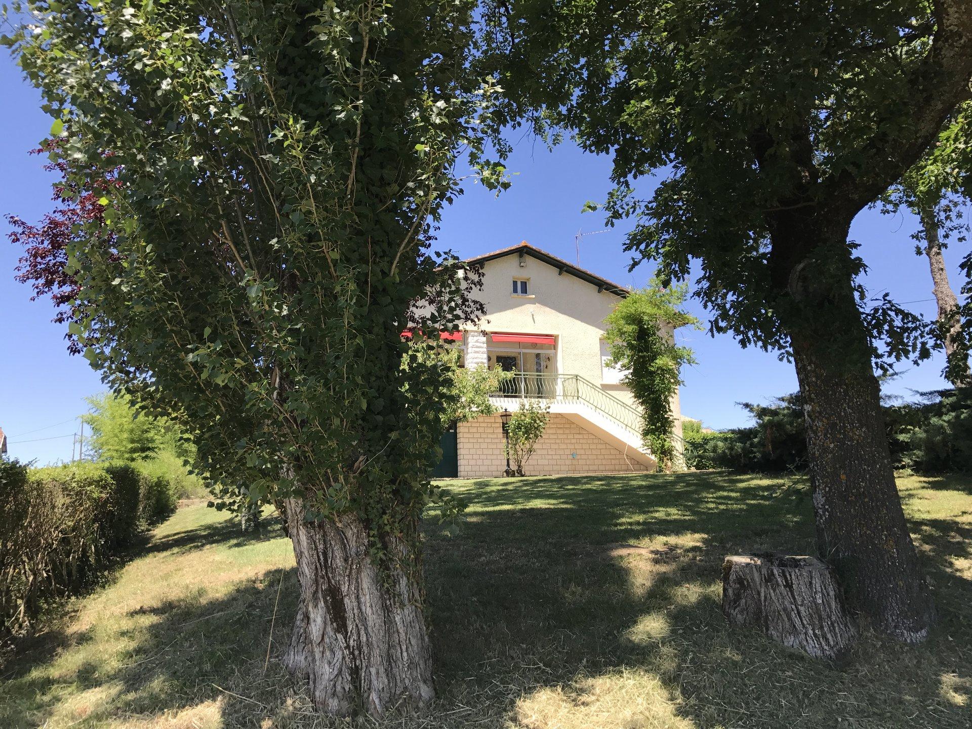 Maison sur 1952m² avec vue