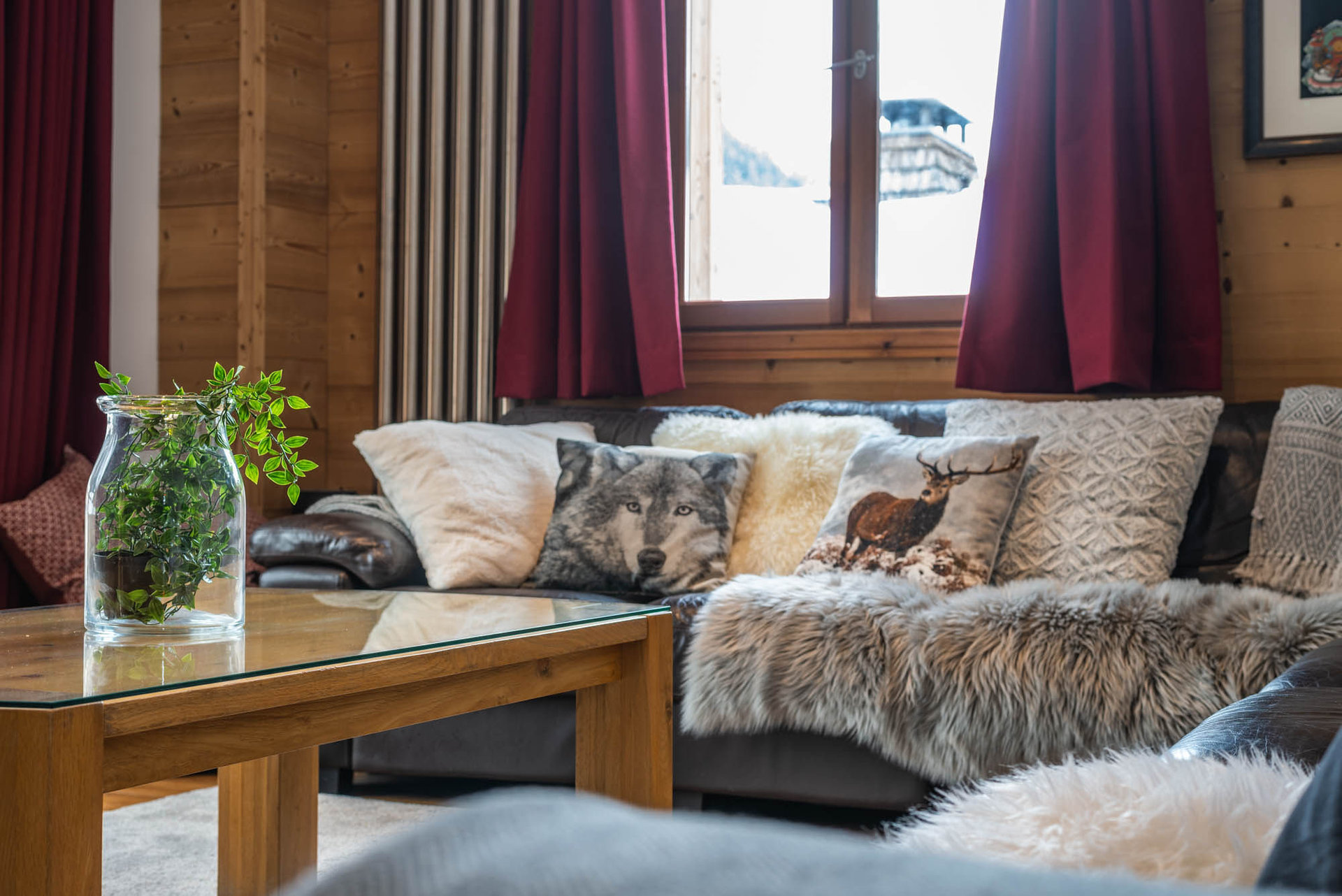 HE Yeti Lodge Chamonix Argentiere grand montets chalet bedroom l HE Yeti Lodge Chamonix Argentiere grand montets chalet bedroom l