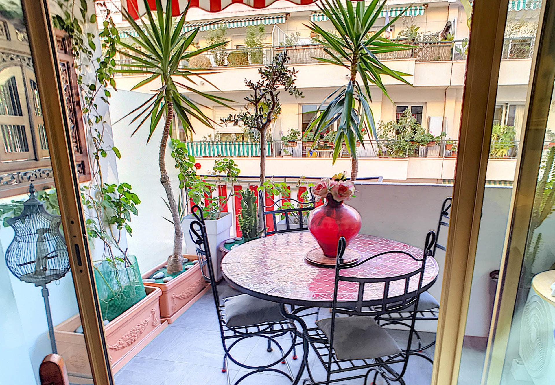 FÖRSÄLJNING Lägenhet 3 Rum 72m2 Nice Fleurs Terrass Lugnt Exeptionell!