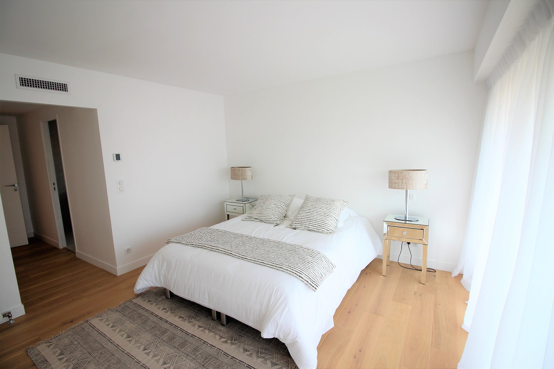 Cannes, Basse-Californie, 2 bedrooms apartment, top floor, terrace