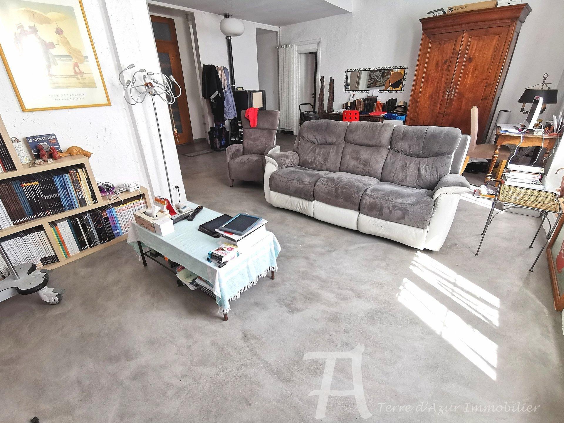 Achat COUP DE COEUR : Superbe et vaste appartement avec terrasse et cave