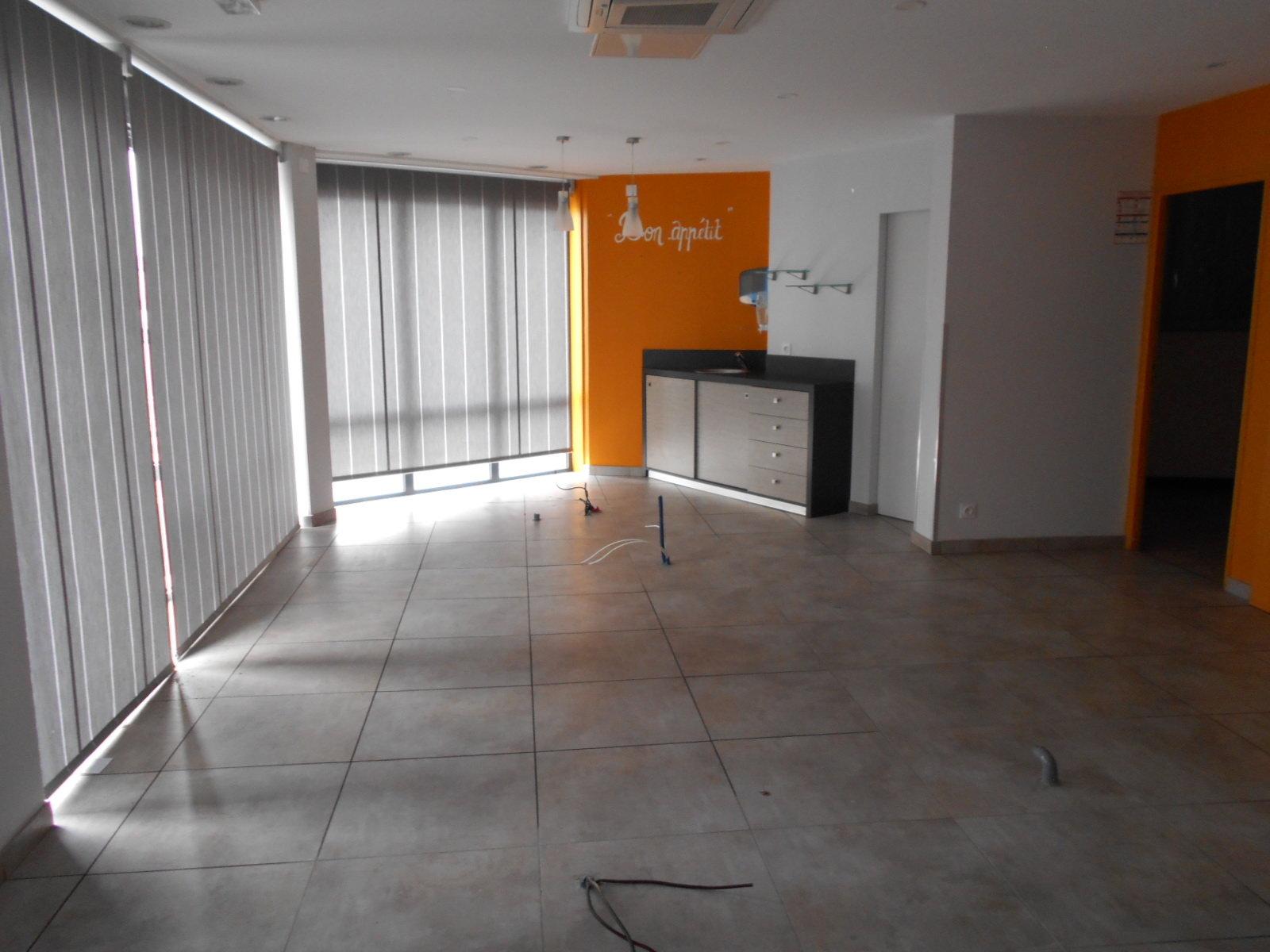 local commercial et appartement