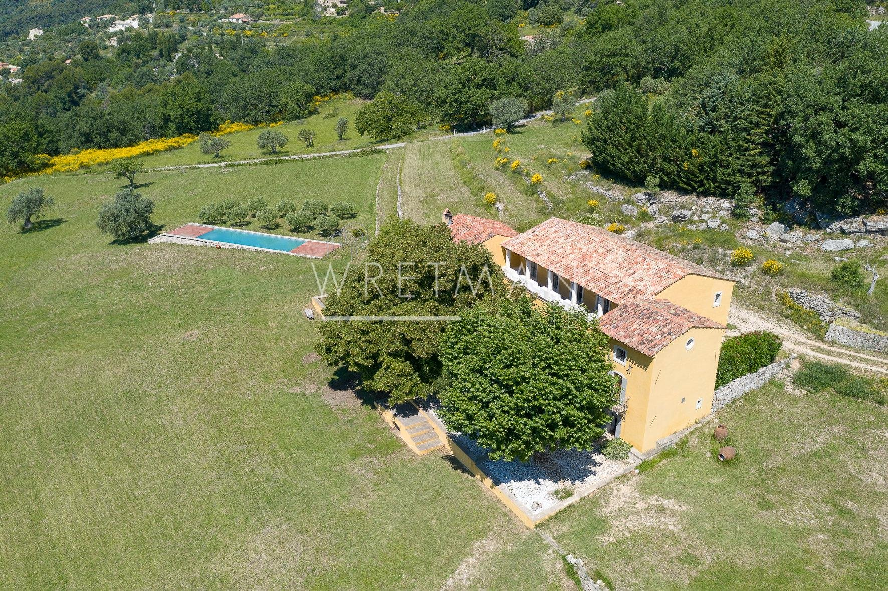 Bastide on parc of 25 hectares - Seillans