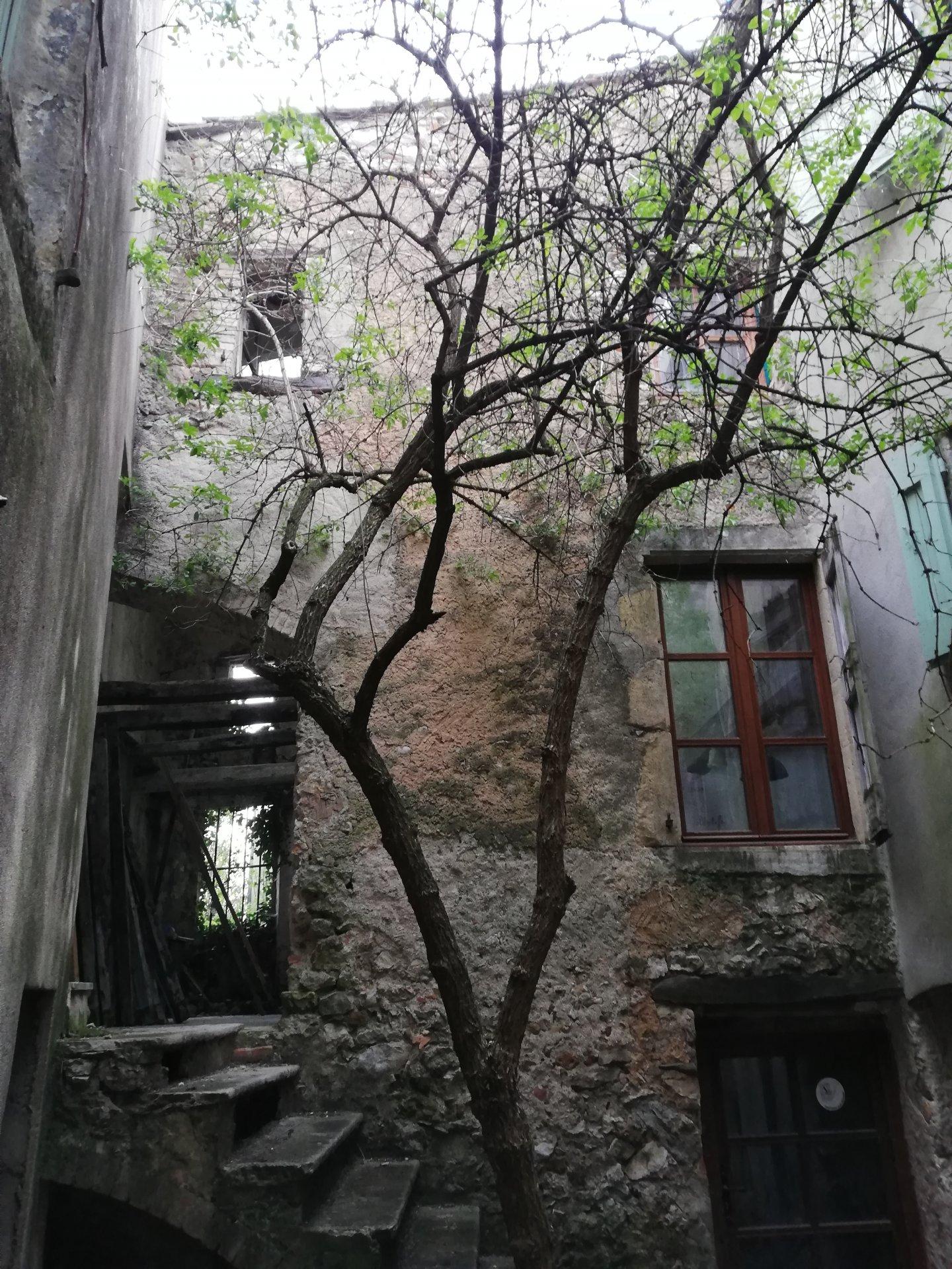 maison de maitre à restaurer.