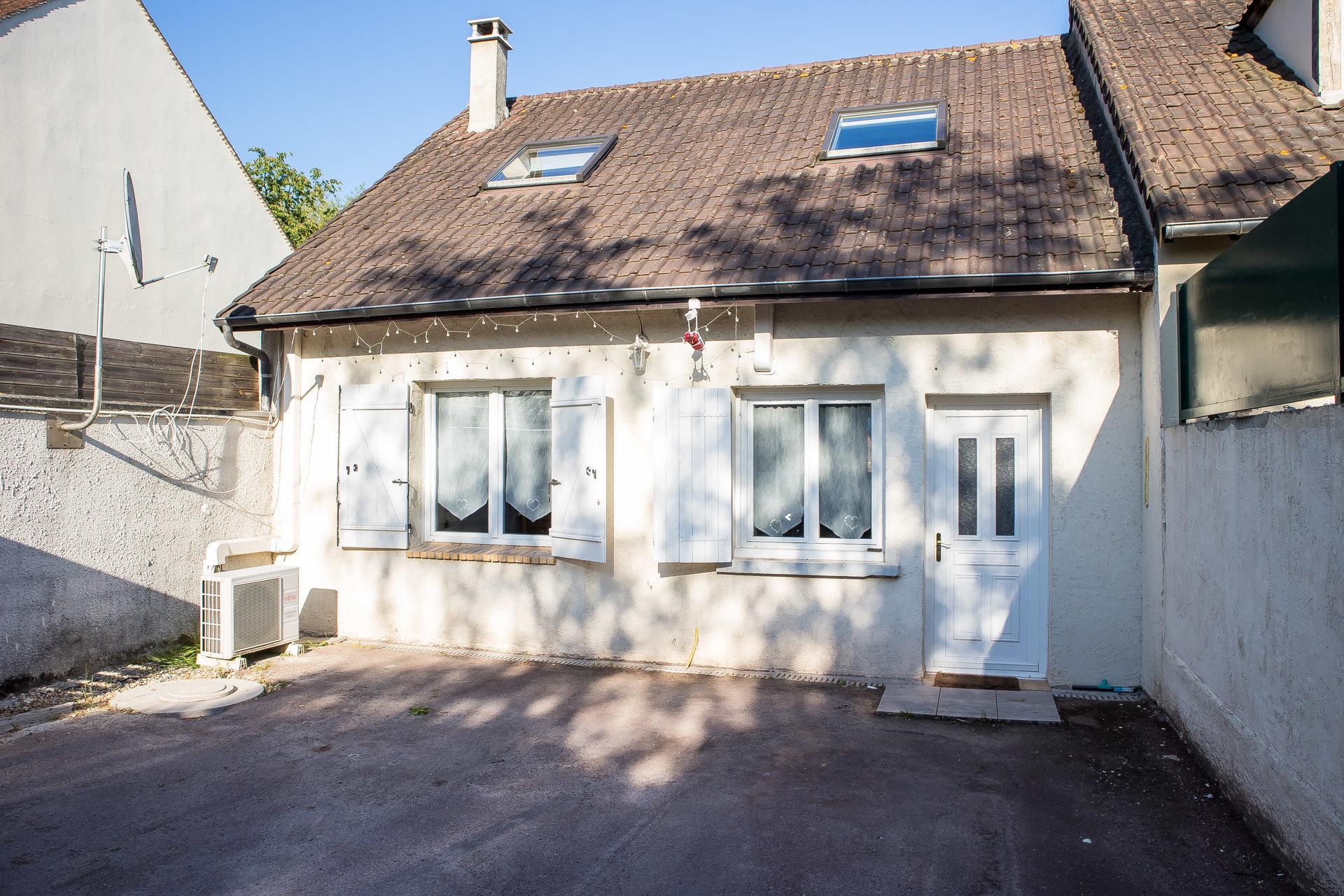 Maison d'environ 90m² sur terrain de 368m²