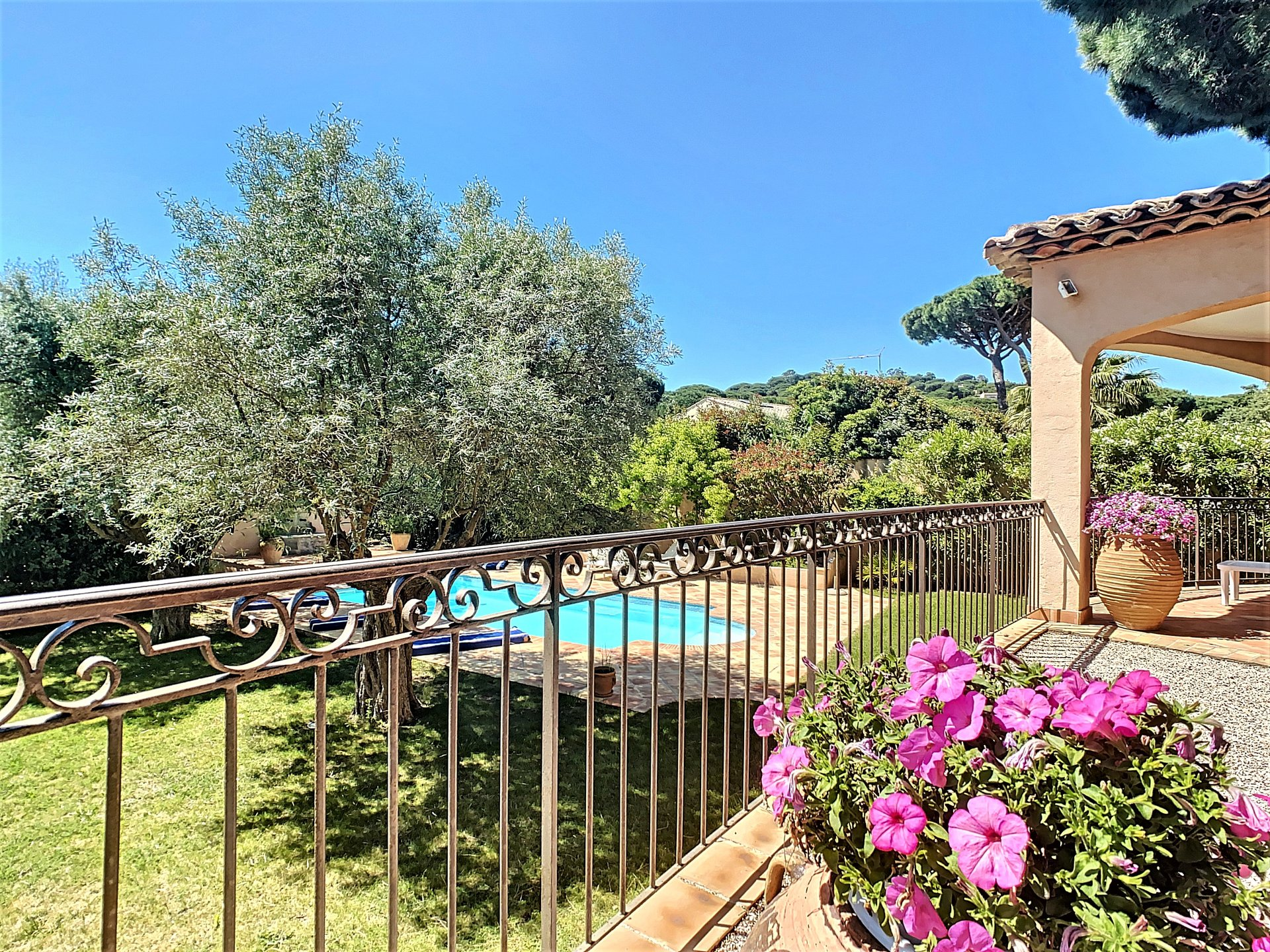 Villa for sale in Sainte Maxime near the beach