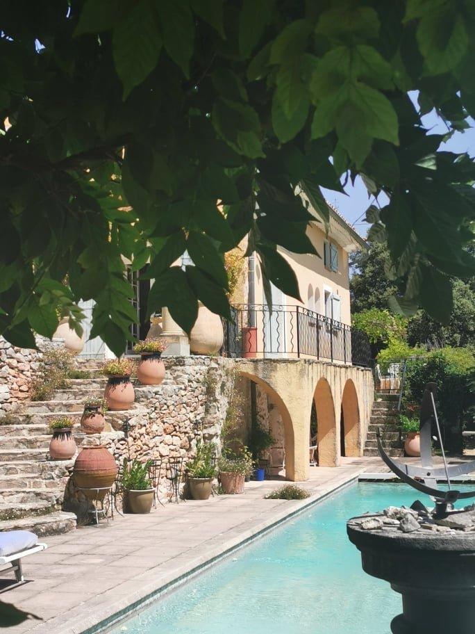 COTIGNAC, mas de 1836  sur 2ha5 avec piscine à vendre
