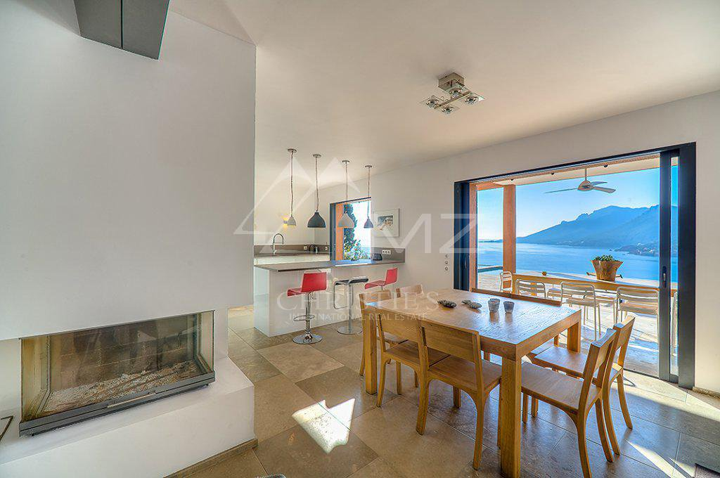 Additional photo for property listing at Seasonal rental - Villa Théoule-sur-Mer  Theoule sur Mer, 海滨阿尔卑斯省,06590 法国
