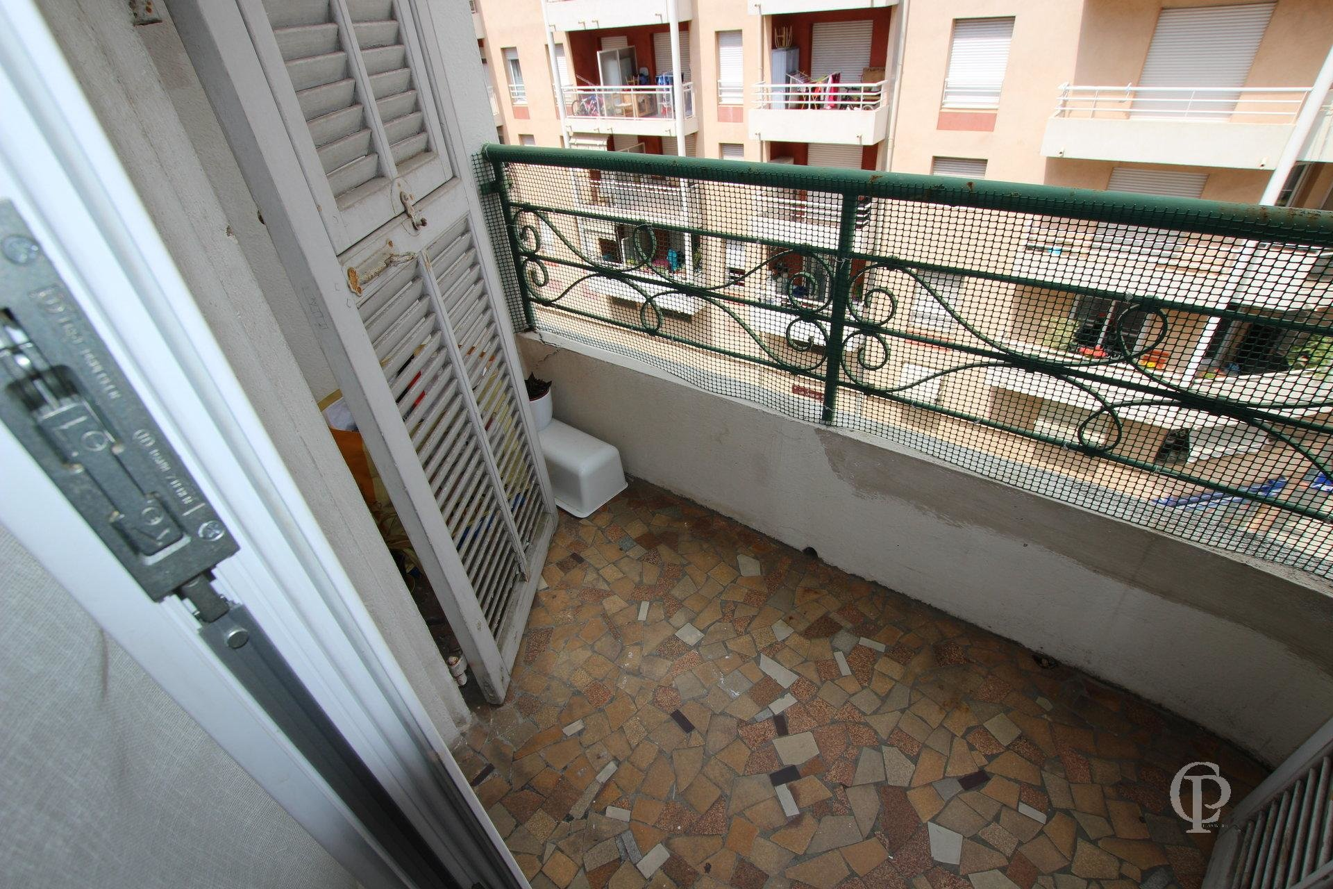 ONE BEDROOM NICE RIQUIER