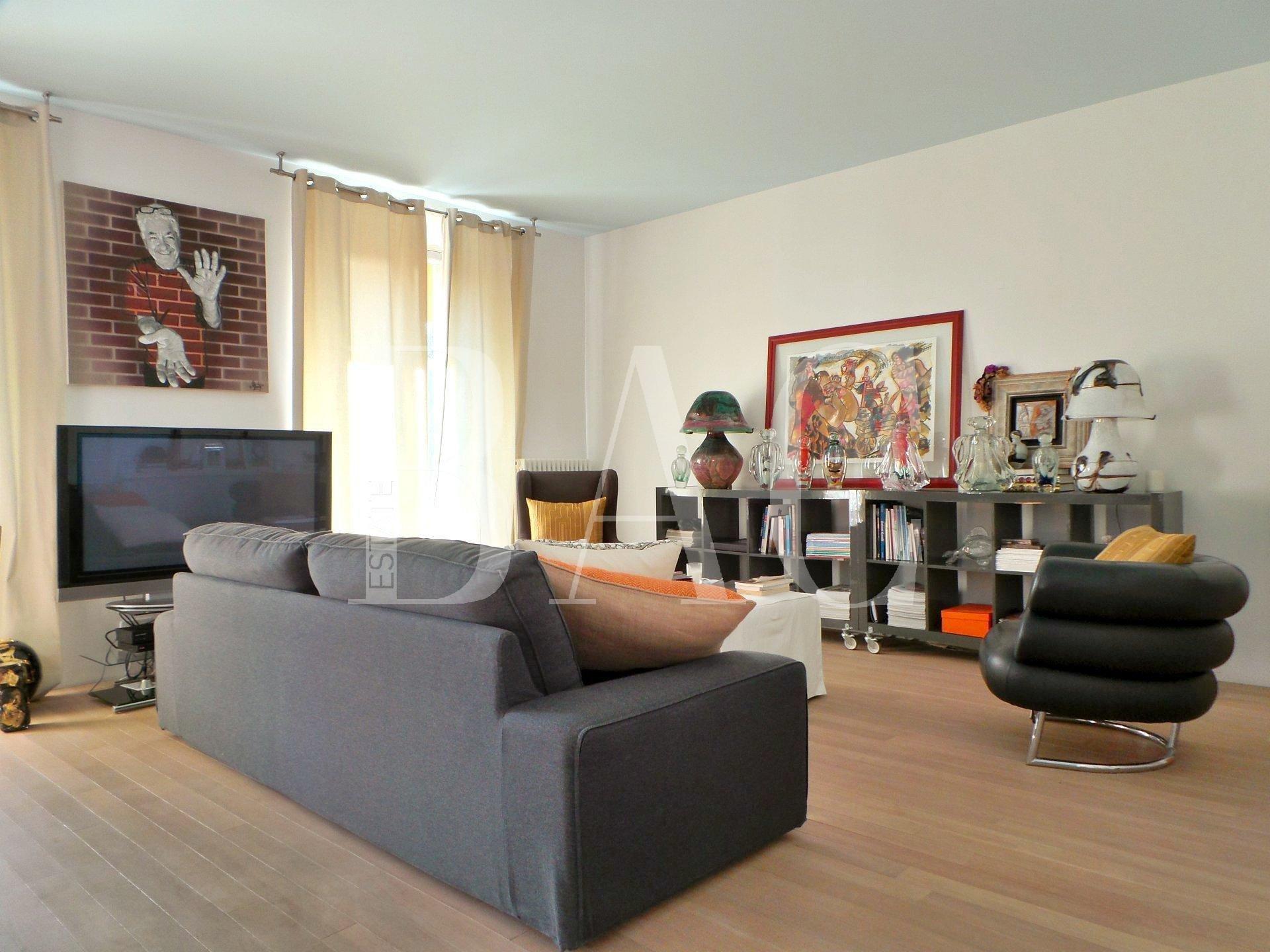 戛纳电影节,公寓低于其真实价值。